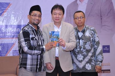 Launching dan Bedah Buku Muslim Traveller