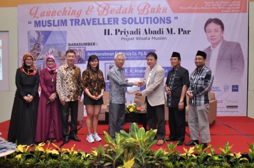 Launching dan Bedah Buku Muslim Traveller (19)