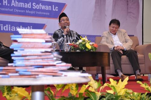 Launching dan Bedah Buku Muslim Traveller (24)