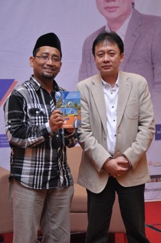 Launching dan Bedah Buku Muslim Traveller (25)