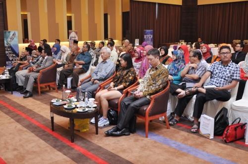 Launching dan Bedah Buku Muslim Traveller (3)